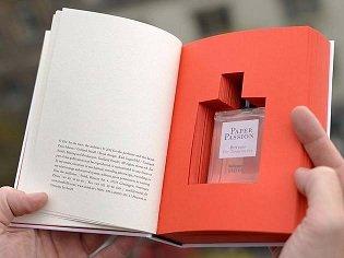 Духи с запахом книг