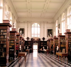 Wren-Library-Trinity-College-Cambridge-England-571x539